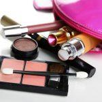 Intip Alat Make Up yang Selalu Dibawa Wanita