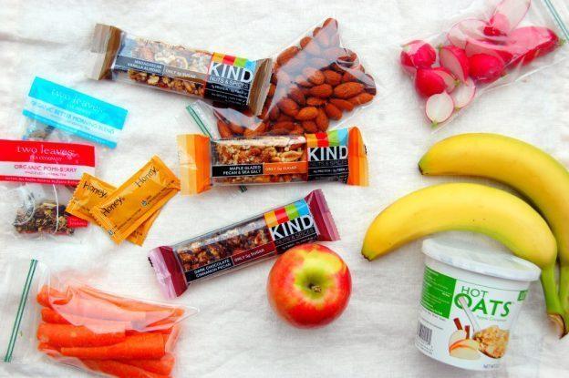 snack sehat saat bepergian