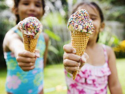 makan es krim