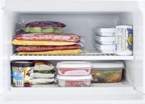 menyimpan makanan dalam freezer