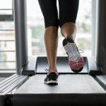 Lari di Treadmill atau Lapangan, Lebih Baik Mana?